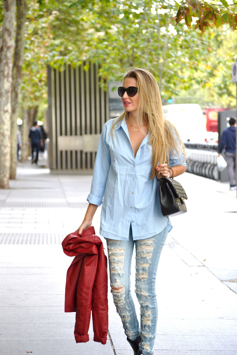 Ripped_Jeans_Booties_Armand_Basi_Sunnies_Leather_Jacket_Jumbo_Chanel_Venca_Lara_Martin_Gilarranz_Bymyheels (8)
