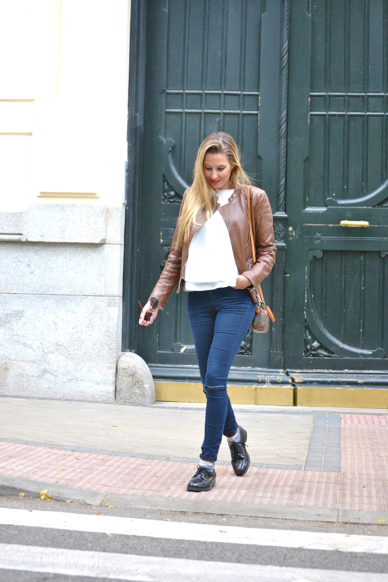 Biker_Jacket_Salsa_Leather_Ripped_Jeans_Lara_Martin_Gilarranz_Oxford_Shoes_Bymyheels (14)