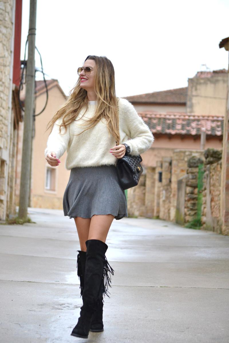 Over_The_Knee_Boots_Lara_Martin_Gilarranz_Bymyheels_Skirt_Ray_Ban_Jumbo_Chanel_Pilar_Burgos (12)