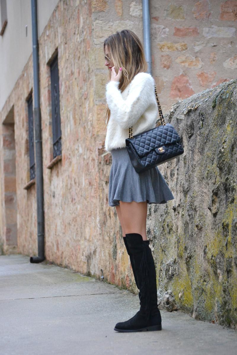 Over_The_Knee_Boots_Lara_Martin_Gilarranz_Bymyheels_Skirt_Ray_Ban_Jumbo_Chanel_Pilar_Burgos (14)