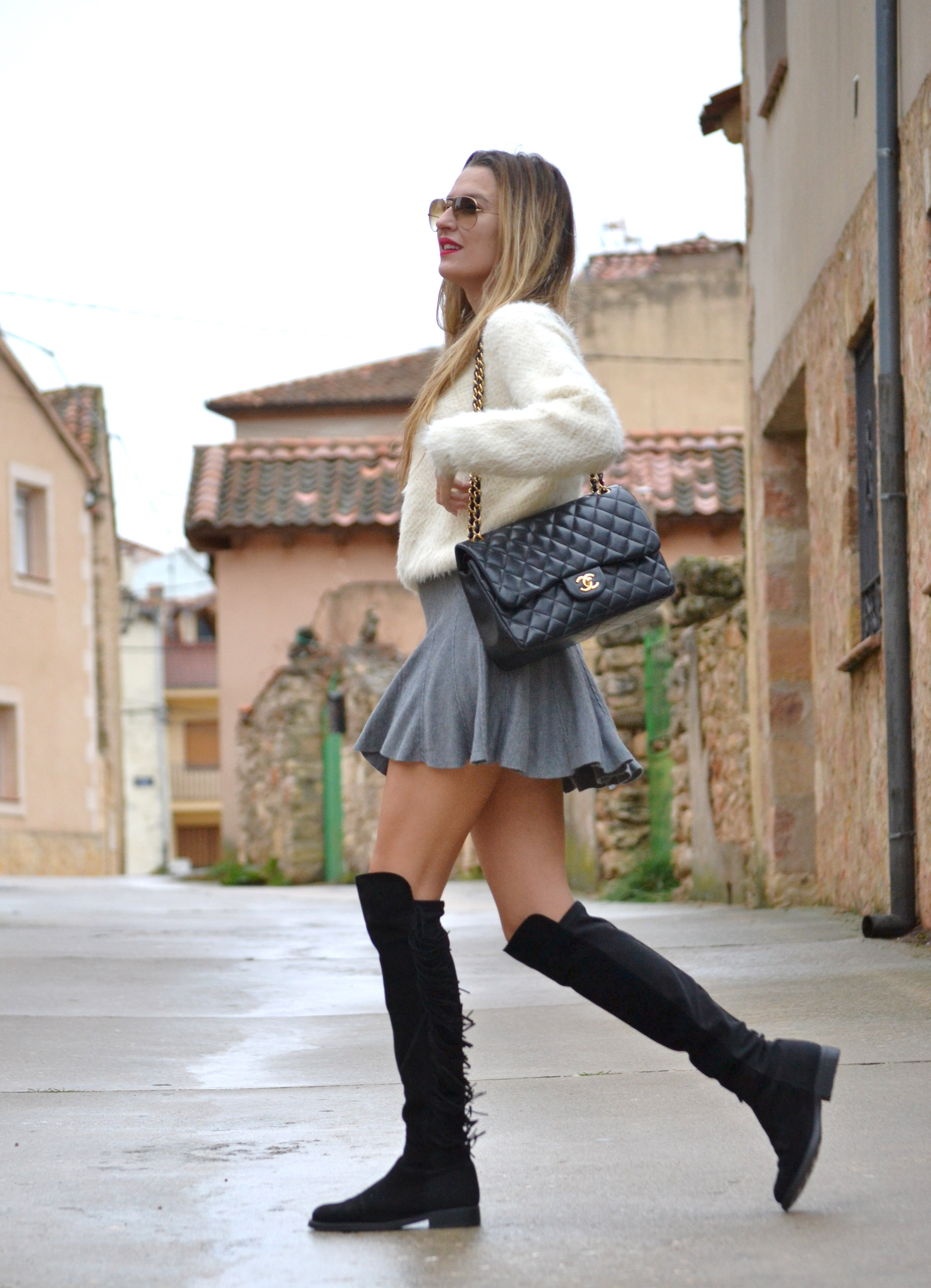 Over_The_Knee_Boots_Lara_Martin_Gilarranz_Bymyheels_Skirt_Ray_Ban_Jumbo_Chanel_Pilar_Burgos (15)