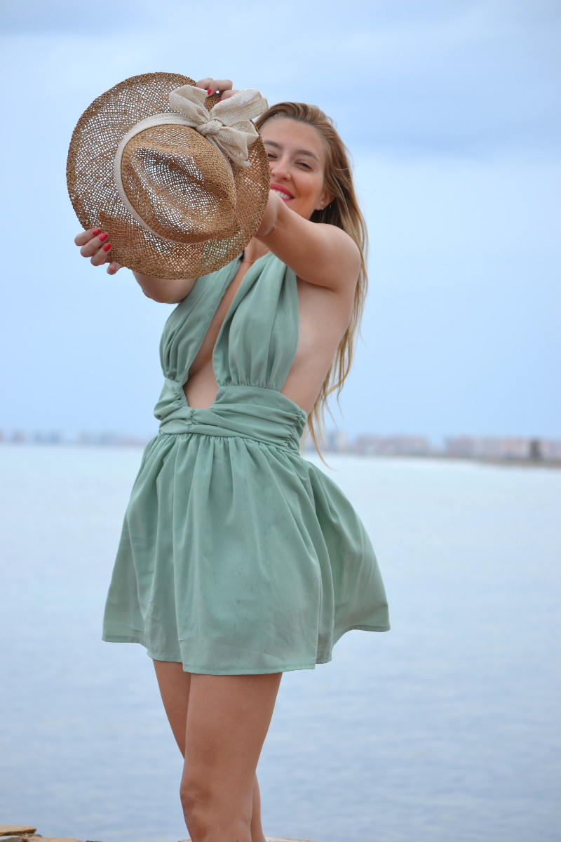 Green_Drapped_Dress_Fashion_Frenzzie_Hat_Sea_Seaside_Lara_Martin_Gilarranz_Bymyheels (1)