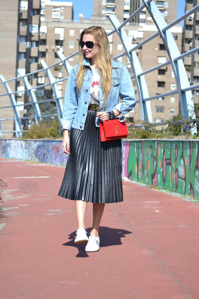 Oxygene_Skirt_Monogram_Red_Yves_Saint_Laurent_D_Franklin_Denim_Dear_Tee_Lara_Martin_Gilarranz_Bymyheels (4)