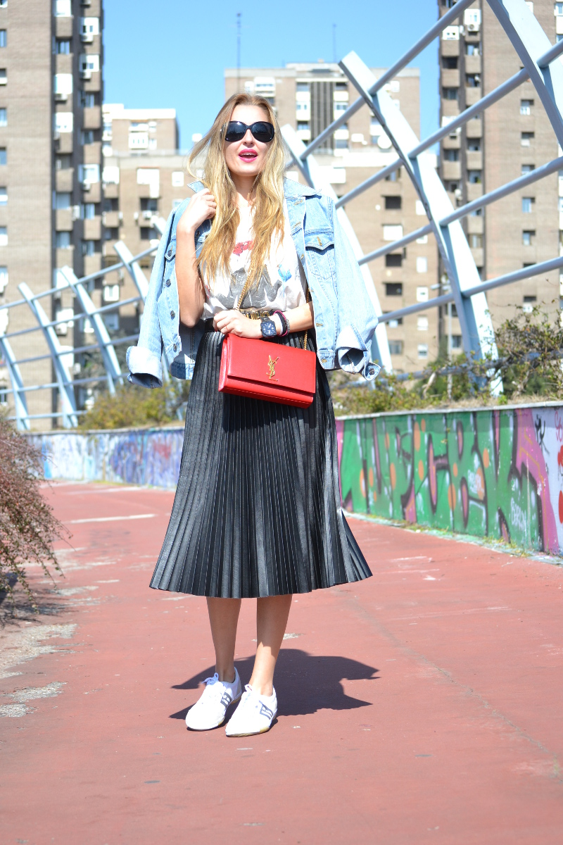 Oxygene_Skirt_Monogram_Red_Yves_Saint_Laurent_D_Franklin_Denim_Dear_Tee_Lara_Martin_Gilarranz_Bymyheels (6)