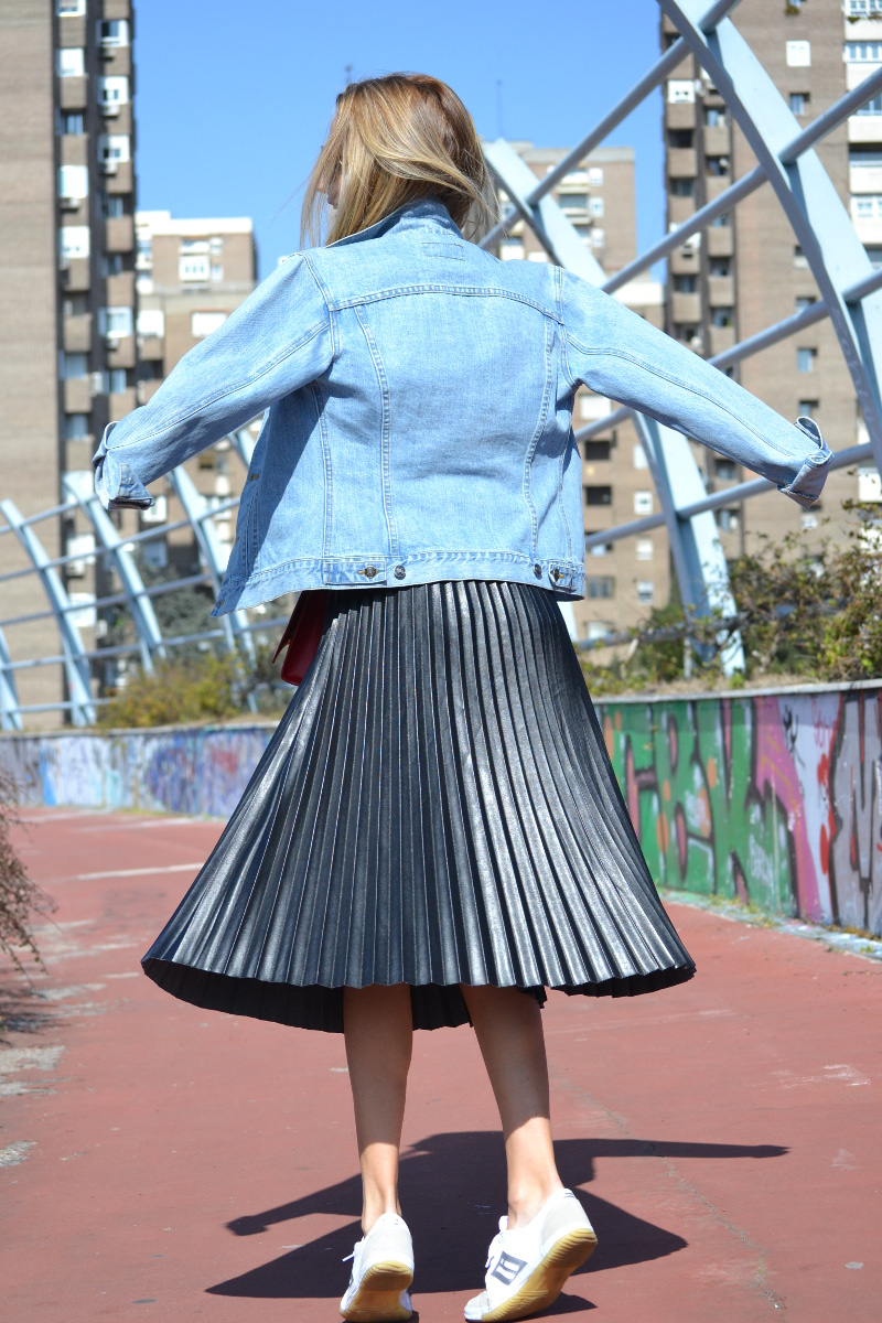 Oxygene_Skirt_Monogram_Red_Yves_Saint_Laurent_D_Franklin_Denim_Dear_Tee_Lara_Martin_Gilarranz_Bymyheels (8)