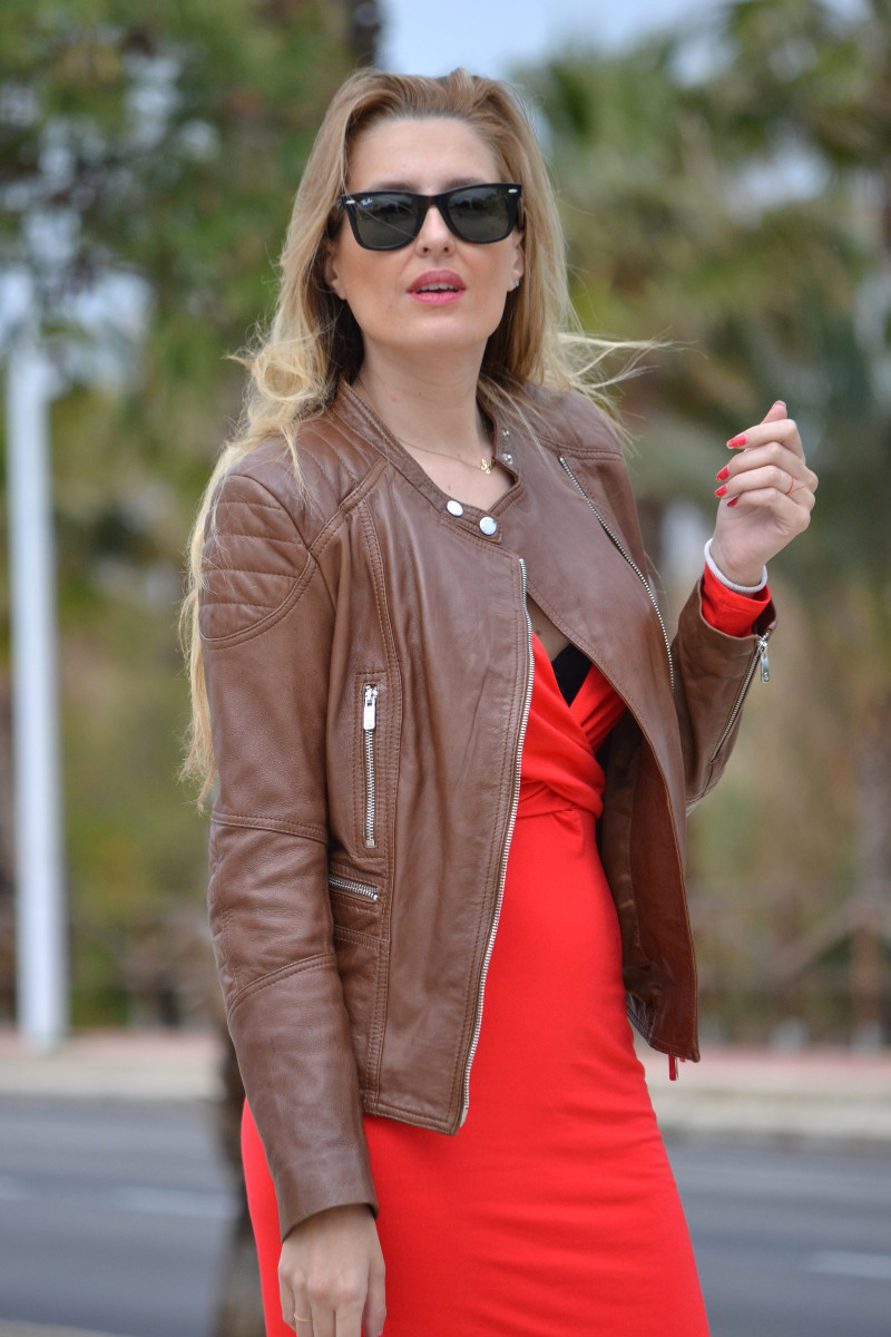 Red_Dress_Lovers_Friends_Lara_Martin_Gilarranz_Leather_Salsa_Bymyheels (5)