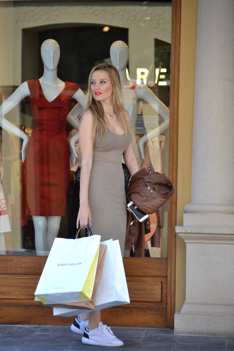 Bymyheels_Lara_Martin_Gilarranz_Las_Rozas_Village_Chic_Outlet_Shopping_Sneakers_The_Secret_Of_shoes (10)