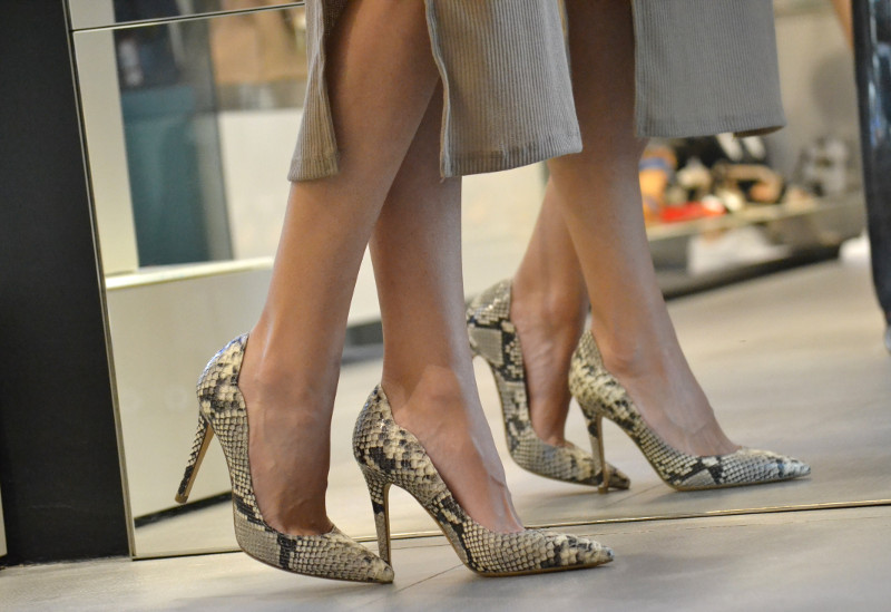 Bymyheels_Lara_Martin_Gilarranz_Las_Rozas_Village_Chic_Outlet_Shopping_Sneakers_The_Secret_Of_shoes (13)