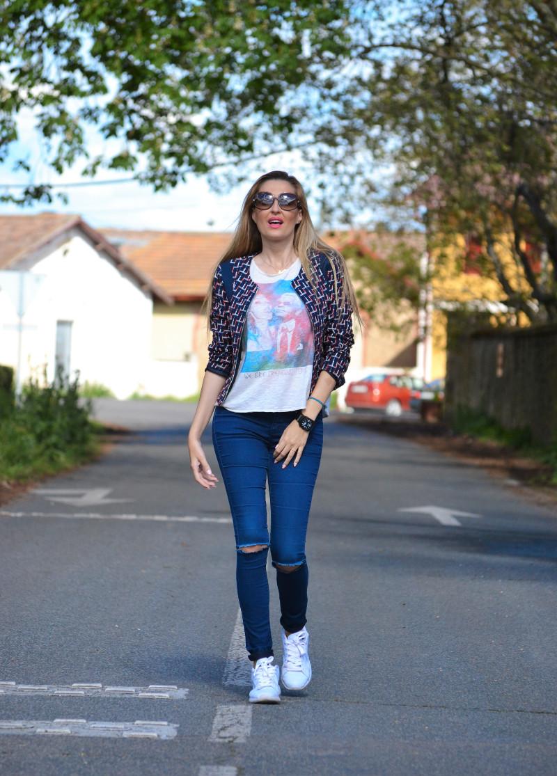 Navarra_Villa_Marcilla_Florette_Lara_Martin_Gilarranz_Bymyheels_Ripped_Jeans_Sneakers_Chanel (3)