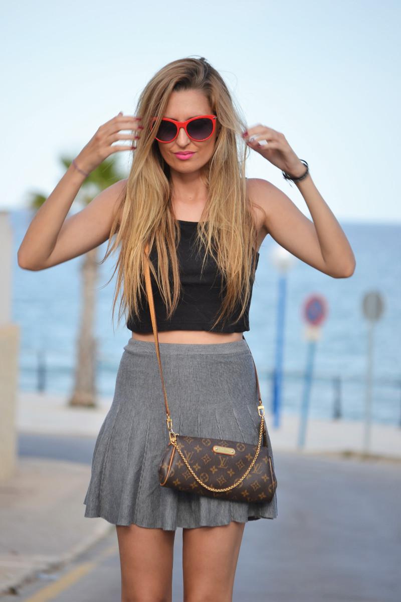 Grey_Skirt_Booties_Louis_Vuitton_Guess_Lara_Martin_Gilarranz_Bymyheels (3)