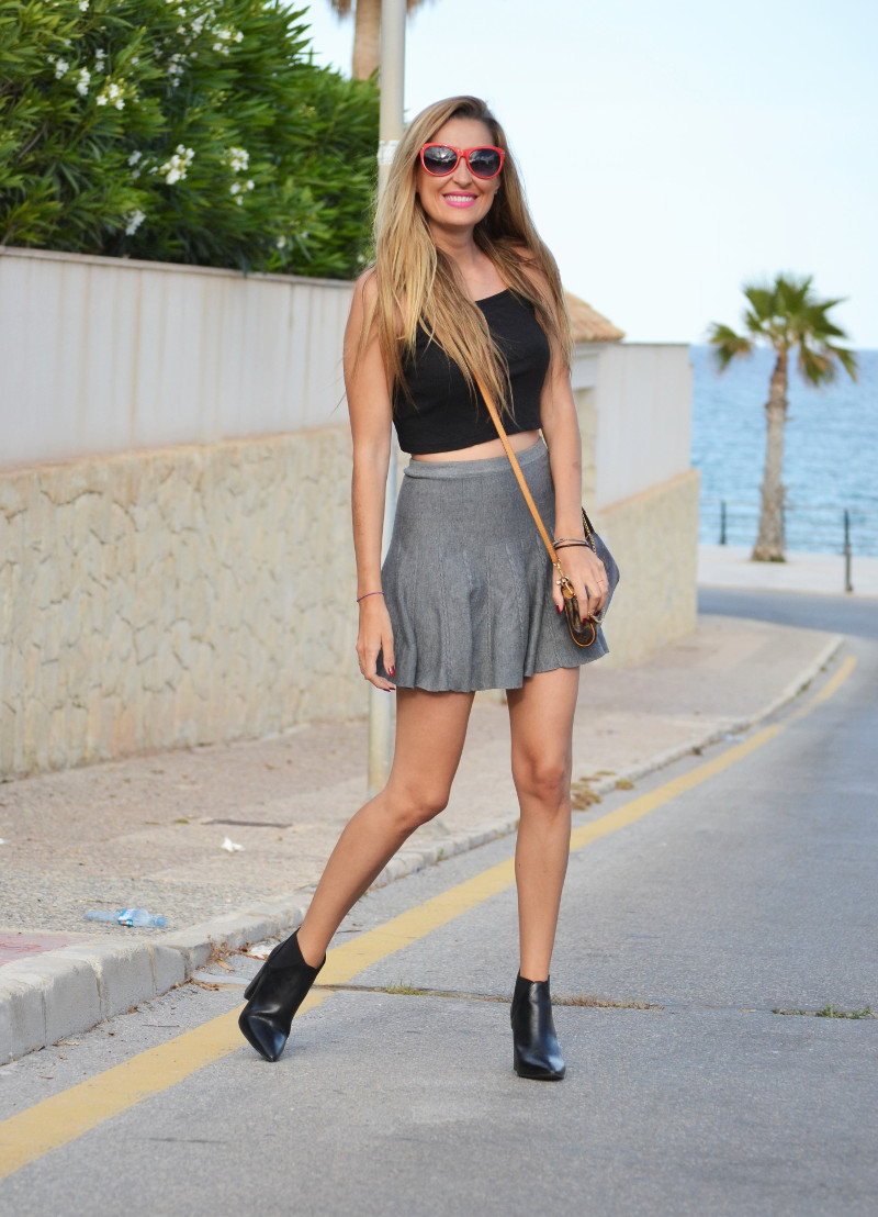 Grey_Skirt_Booties_Louis_Vuitton_Guess_Lara_Martin_Gilarranz_Bymyheels (6)