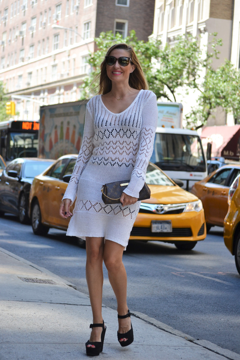 White_Crochet_Dress_Platforms_Nakd_Nueva_York_NYC_Pochette_Eva_Louis_Vuitton_Vuarnet_Lara_Martin_Gilarranz_Bymyheels (13)