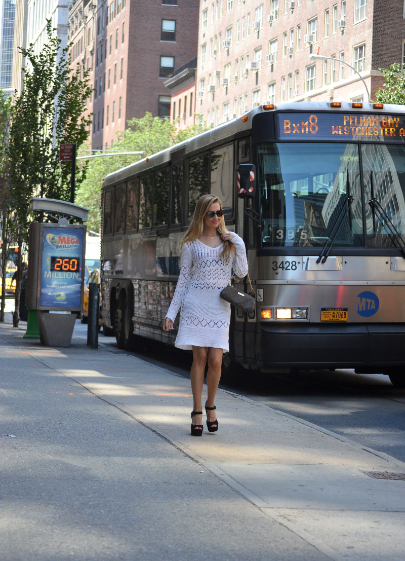 White_Crochet_Dress_Platforms_Nakd_Nueva_York_NYC_Pochette_Eva_Louis_Vuitton_Vuarnet_Lara_Martin_Gilarranz_Bymyheels (3)