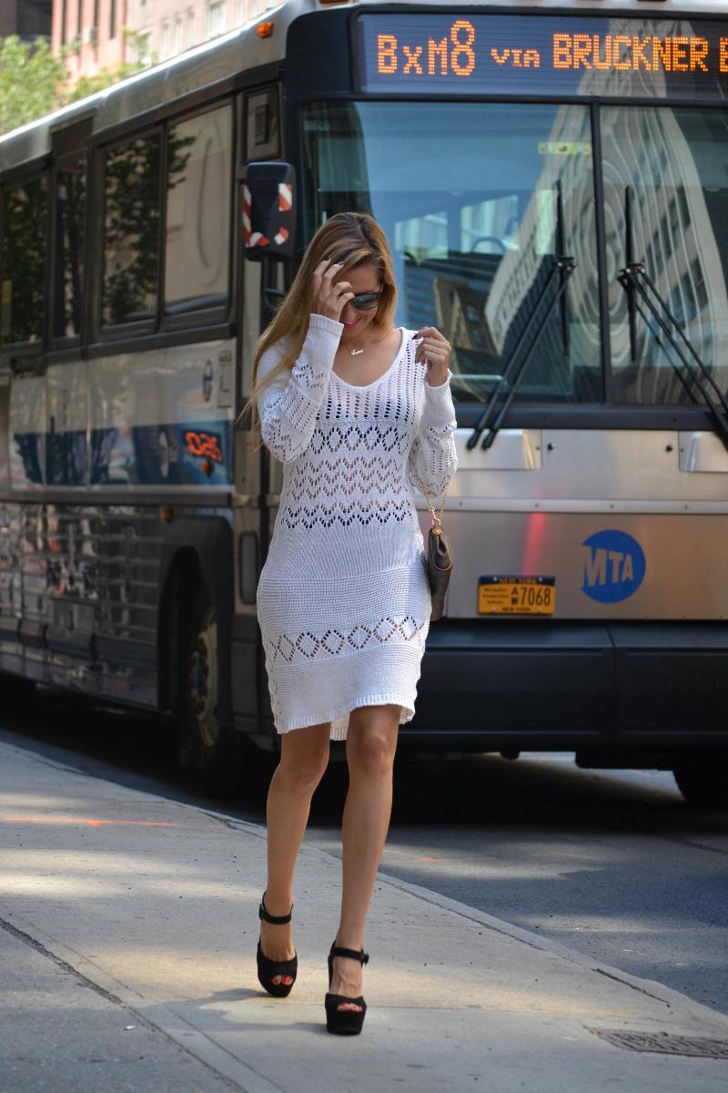 White_Crochet_Dress_Platforms_Nakd_Nueva_York_NYC_Pochette_Eva_Louis_Vuitton_Vuarnet_Lara_Martin_Gilarranz_Bymyheels (4)