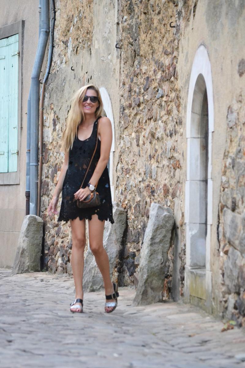 Le_Mans_Black_Dress_Sandals_Louis_Vuitton_Mini_Speedy_Lara_Martin_Gilarranz_Bymyheels (14)