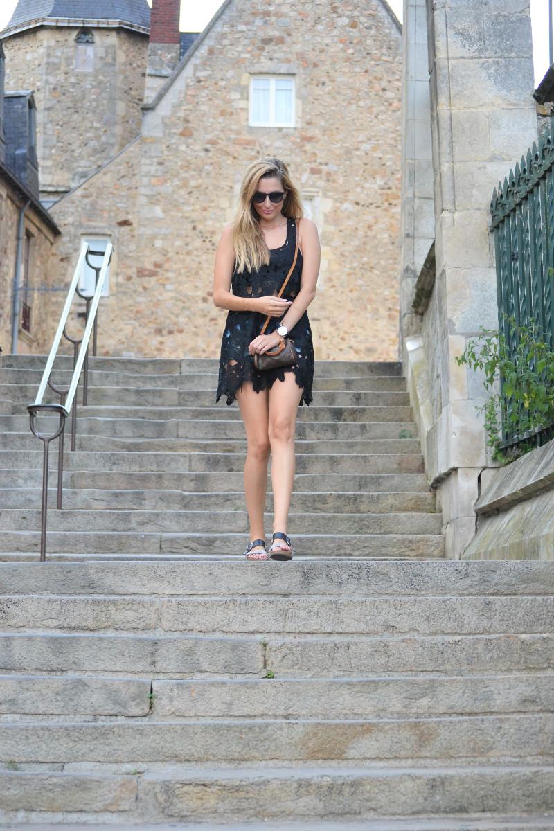 Le_Mans_Black_Dress_Sandals_Louis_Vuitton_Mini_Speedy_Lara_Martin_Gilarranz_Bymyheels (4)