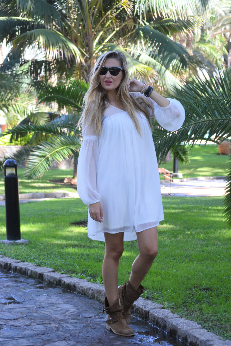 white_dress_gran_canaria_boots_pochette_eva_louis_vuitton_lara_martin_gilarranz_bymyheels-2